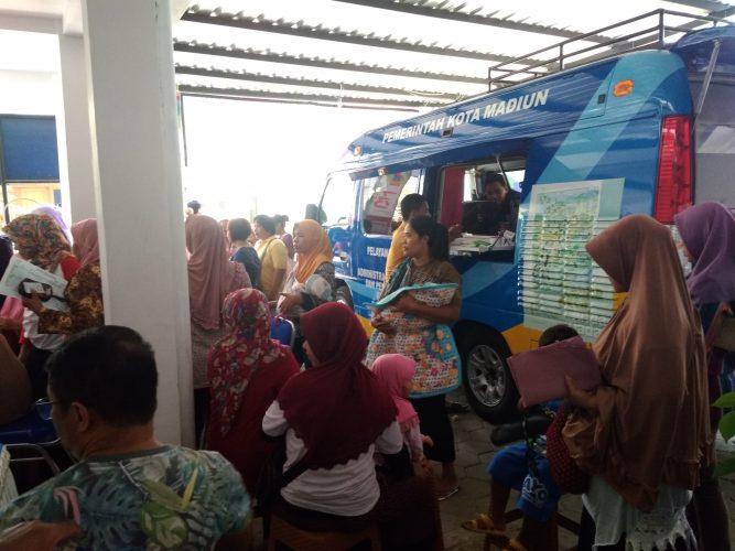 Pelayanan Keliling DISPENDUKCAPIL di Kelurahan Rejomulyo